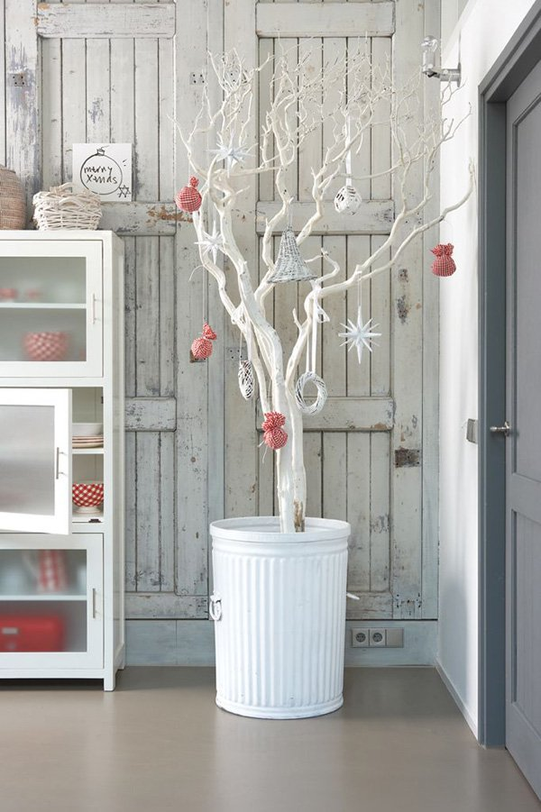 http://www.cuded.com/2015/11/65-christmas-home-decor-ideas/