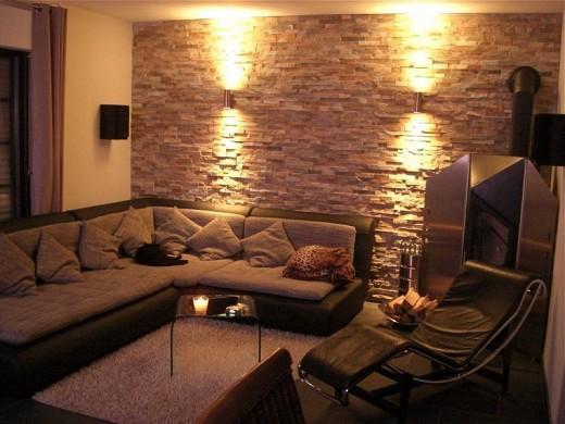 15 fotos de salas con paredes en piedra salas con estilo - Iluminacion de pared ...