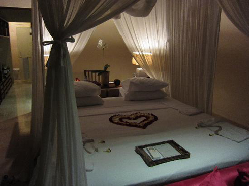 Komaneka Tanggayuda Hotel Bali Bedroom
