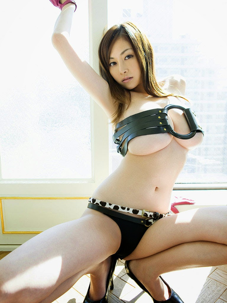anri sugihara sexy bikini pics 03