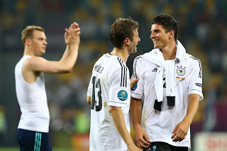 Muller and Gomez