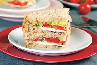 Közlenmiş biberli sandviç tarifi