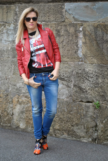 come abbinare la giacca biker outfit chiodo in ecopelle rosso come abbinare il chiodo rosso abbinamenti chiodo rosso come abbinare la giacca biker in ecopelle mariafelicia magno fashion blogger colorblock by felym outfit maggio 2015 outfit primaverili outfit casual donna outfit rock donna abbinamenti giacca biker in ecopelle come abbinare la giacca rossa outfit rosso abbinamenti rosso come abbinare il rosso fashion blog italiani fashion blogger italiane milano blogger italiane di moda blog di moda italiani how to wear rred red outfit red biker leather jacket spring outfit spring casual outfit for girl fashion bloggers italy girl blonde hair blonde gilr blondie