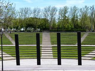 http://loqueveoenzaragoza.blogspot.com.es/2013/05/madrid-parque-tierno-galvan.html