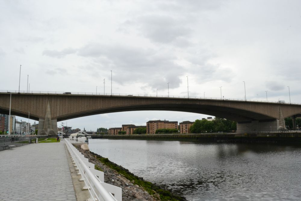 kingston bridge glasgow river