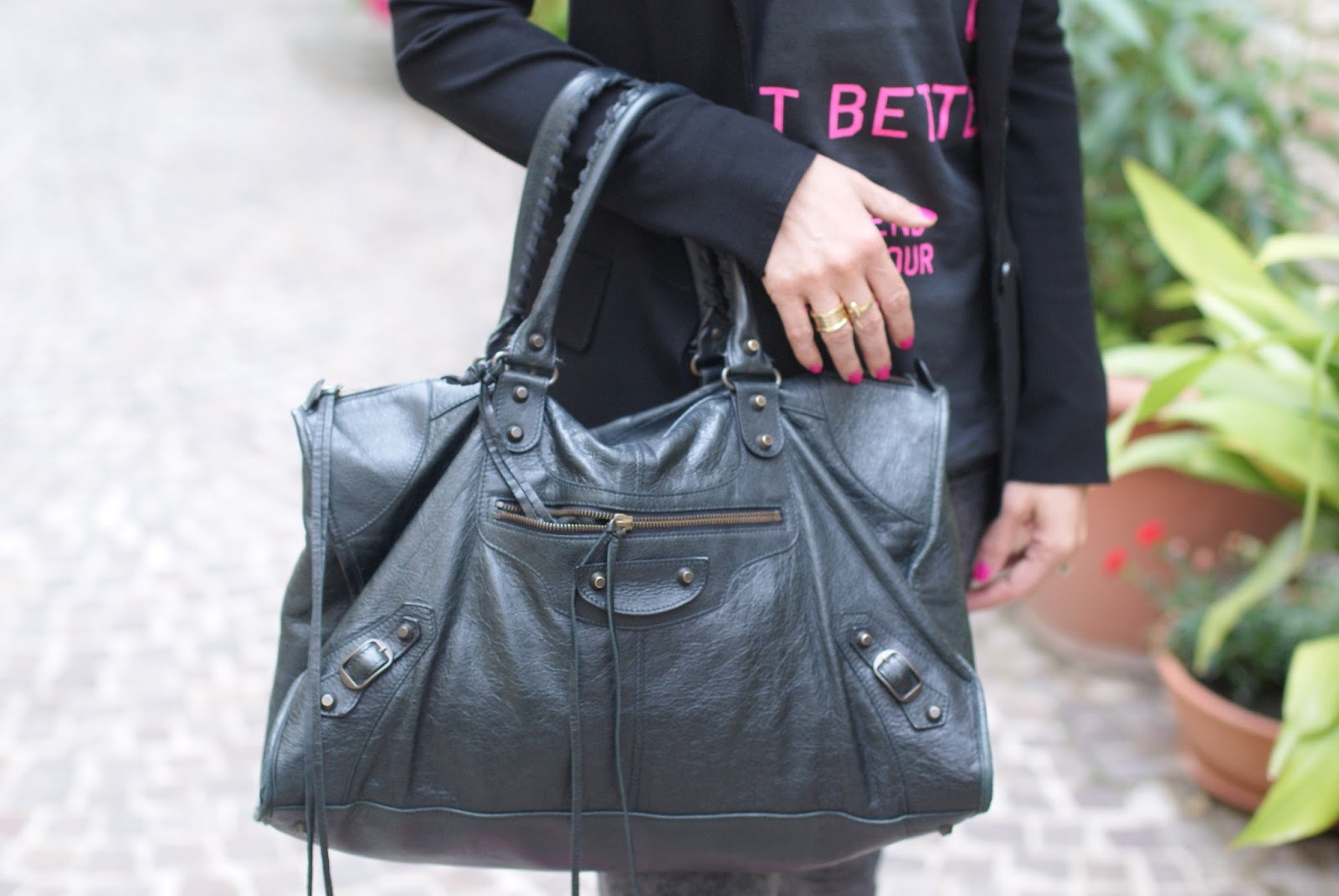 Balenciaga work black bag on Fashion and Cookies fashion blog, fashion blogger style