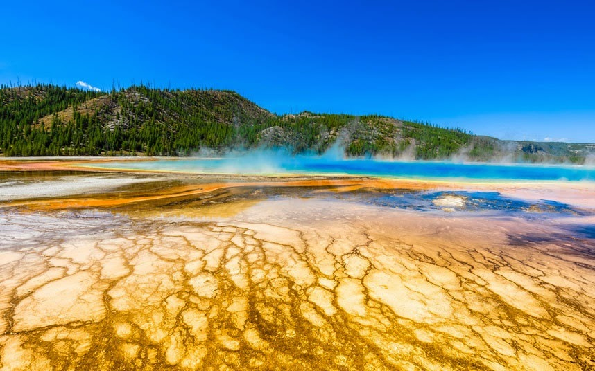 Photos that pro... Grand Prismatic Spring Facts