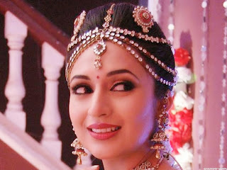 Divyanka Tripathi Beautiful Wallpaper.jpg