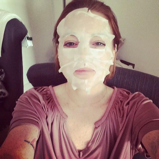 Lindsay Lohan usa mascara