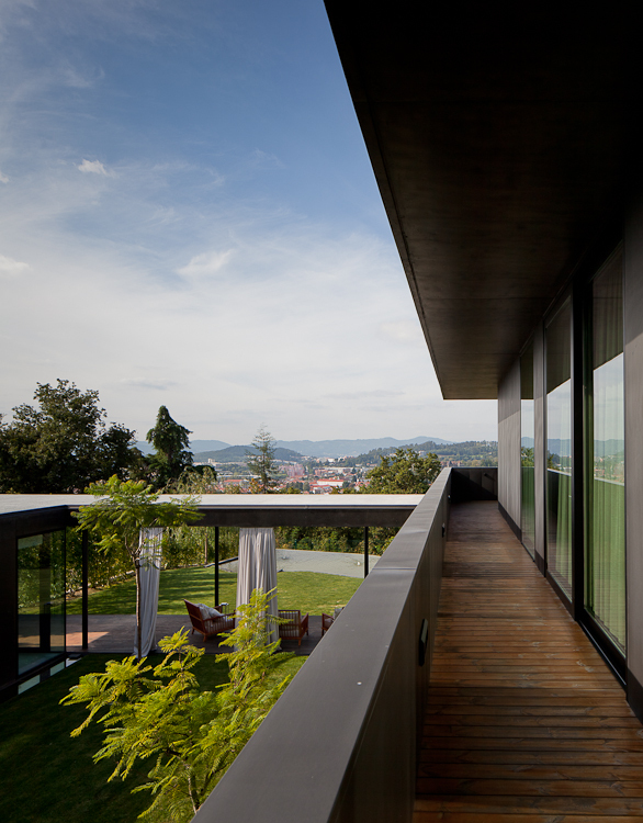 Balcony of Black Concrete House by Pitagoras Arquitectos