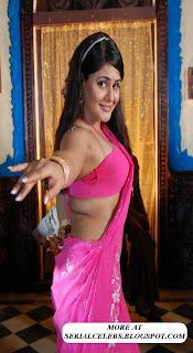 Aunty Actress farzana Navel show