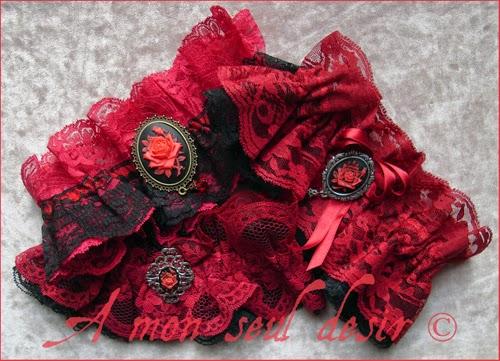 jarretière dentelle rouge noir camée fleur rose romantique saint valentin red garter lace cameo flower romantic valentine's day