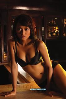 hot Model Popular Julie Octha