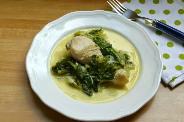 fusi di pollo con lattuga in salsa avgolemono
