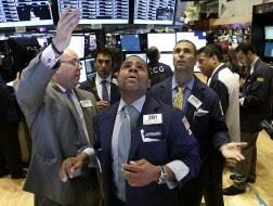 S&P 500 phá mốc 1.700 điểm lần đầu tiên trong lịch sử