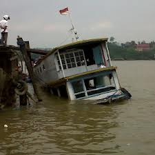 berita tenggelamnya kapal karyawan pt kalamur