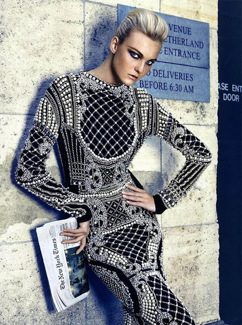 VENTOS BARROCOS_Balmain_Carol Trentini_vestido bordado_Vestido estilo barroco_vestido com pérola_Vestido justo_Ensaio para Vogue Brasil