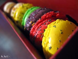 Gerard-Mulot-9-macarons-box