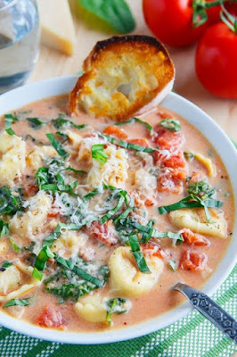 Parmesan tomato and spinach tortellini soup
