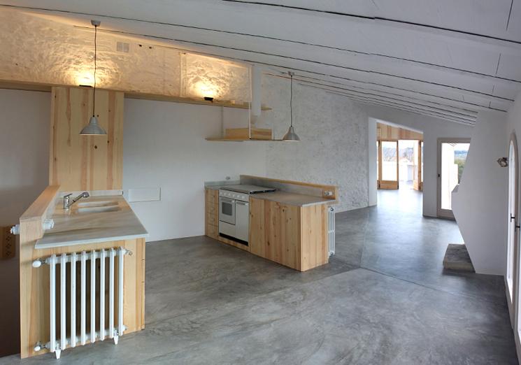 Rehabilitaci n de una vivienda de pueblo casa minimalista - Rehabilitacion de casas antiguas ...