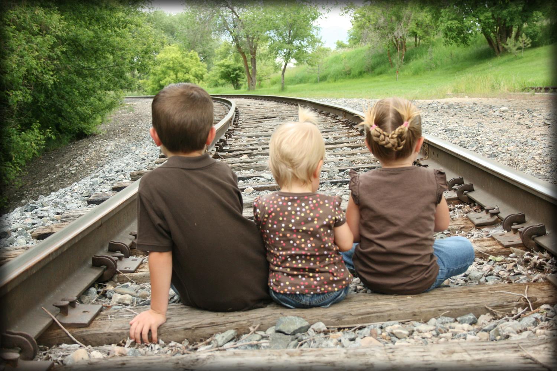 Helping Siblings Like Each Other