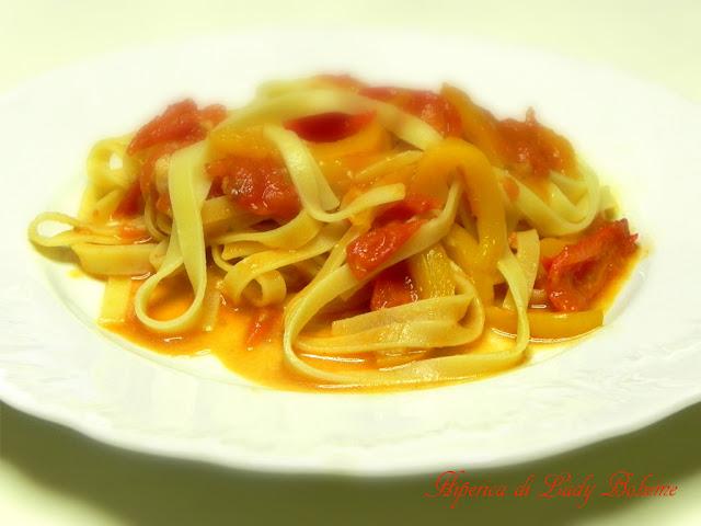 hiperica_lady_boheme_blog_cucina_ricette_gustose_facili_veloci_tagliatelle_alla_senape_e_peperoni_4