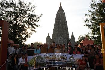 Rombongan umat Buddha Sumatera Utara Dharmayatra ke India di Bodh Gaya