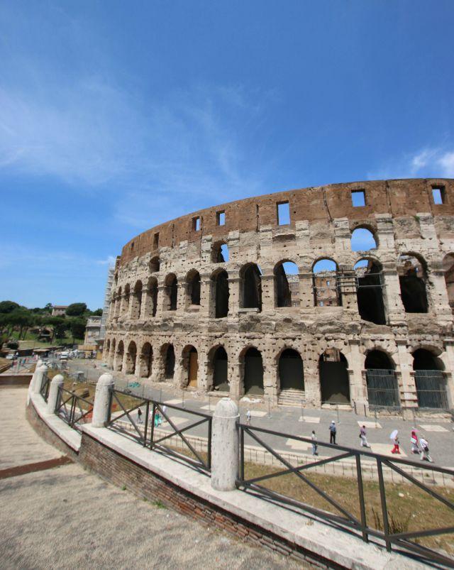 Blick auf das Colosseum in Rom - mit Kindern in Rom unterwegs - Frühstück bei Emma