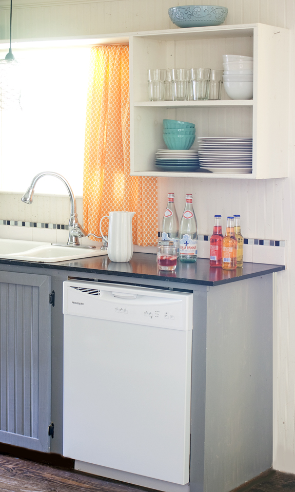 Diy kitchen makeover on a budget for Cheap kitchen makeover