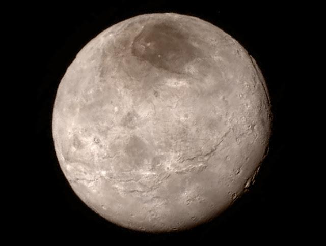 Hình ảnh mới nhất về vệ tinh Charon của Diêm Vương Tinh. NASA-JHUAPL-SwRI.