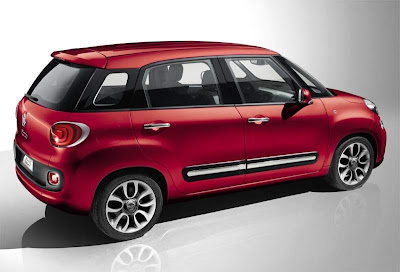 2012 Fiat 500L Mini Car Side view