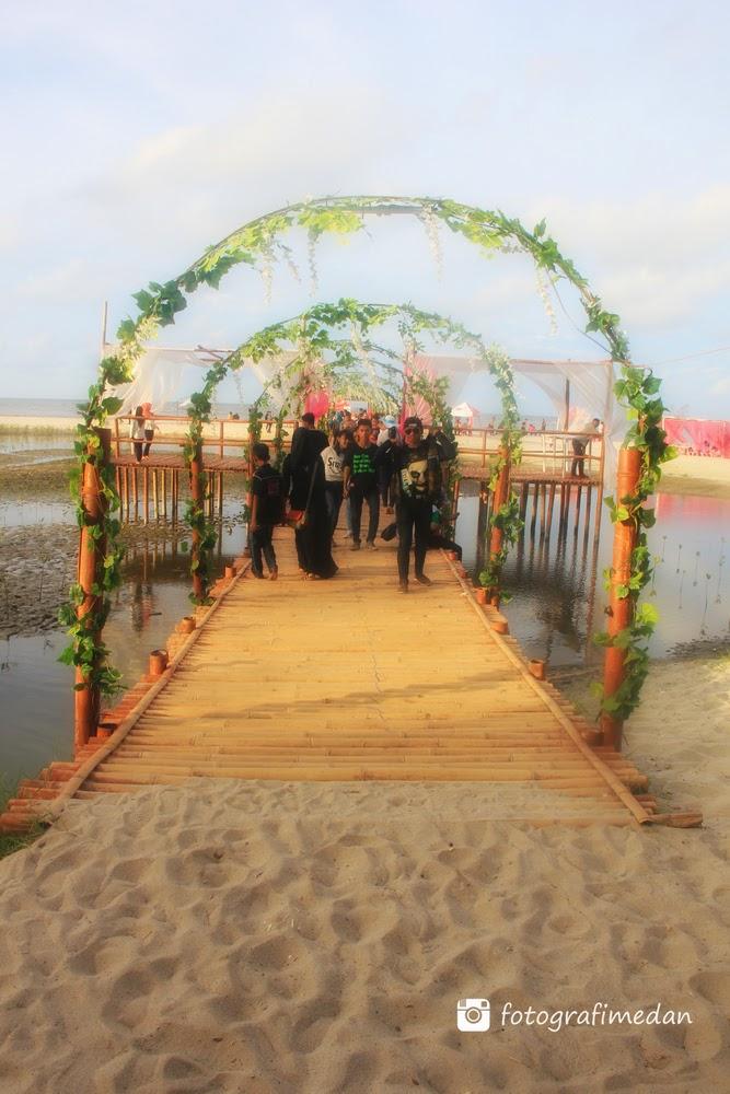 wisata pantai romance bay medan sumatera utara