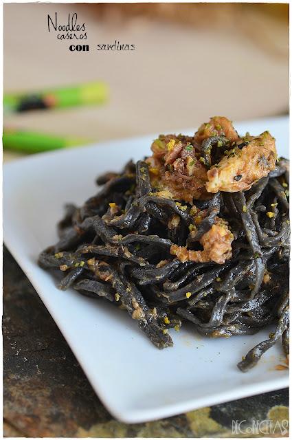 Noodles caseros con sardinas