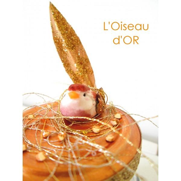 http://puce-qui-pique.blogspot.fr/2013/12/loiseau-dor-tuto.html