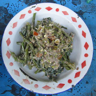Plecing Kangkung Telengis Makanan Khas Karanagsem Bali