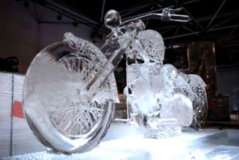 Ukiran Es Motor