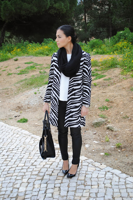 daniela pires, outfit, street style, fashion blogger, fashionista, black and white, animal print, winter, leather, zara coat, jeans