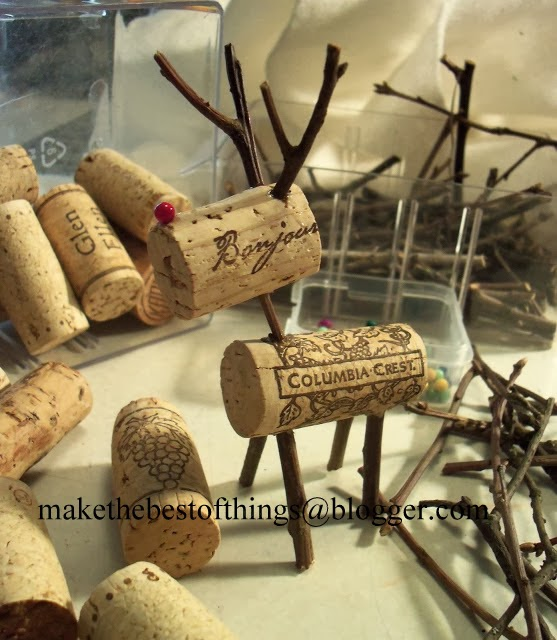 Make the best of things stinkin 39 cute wine cork reindeer diy - What to make with wine corks ...