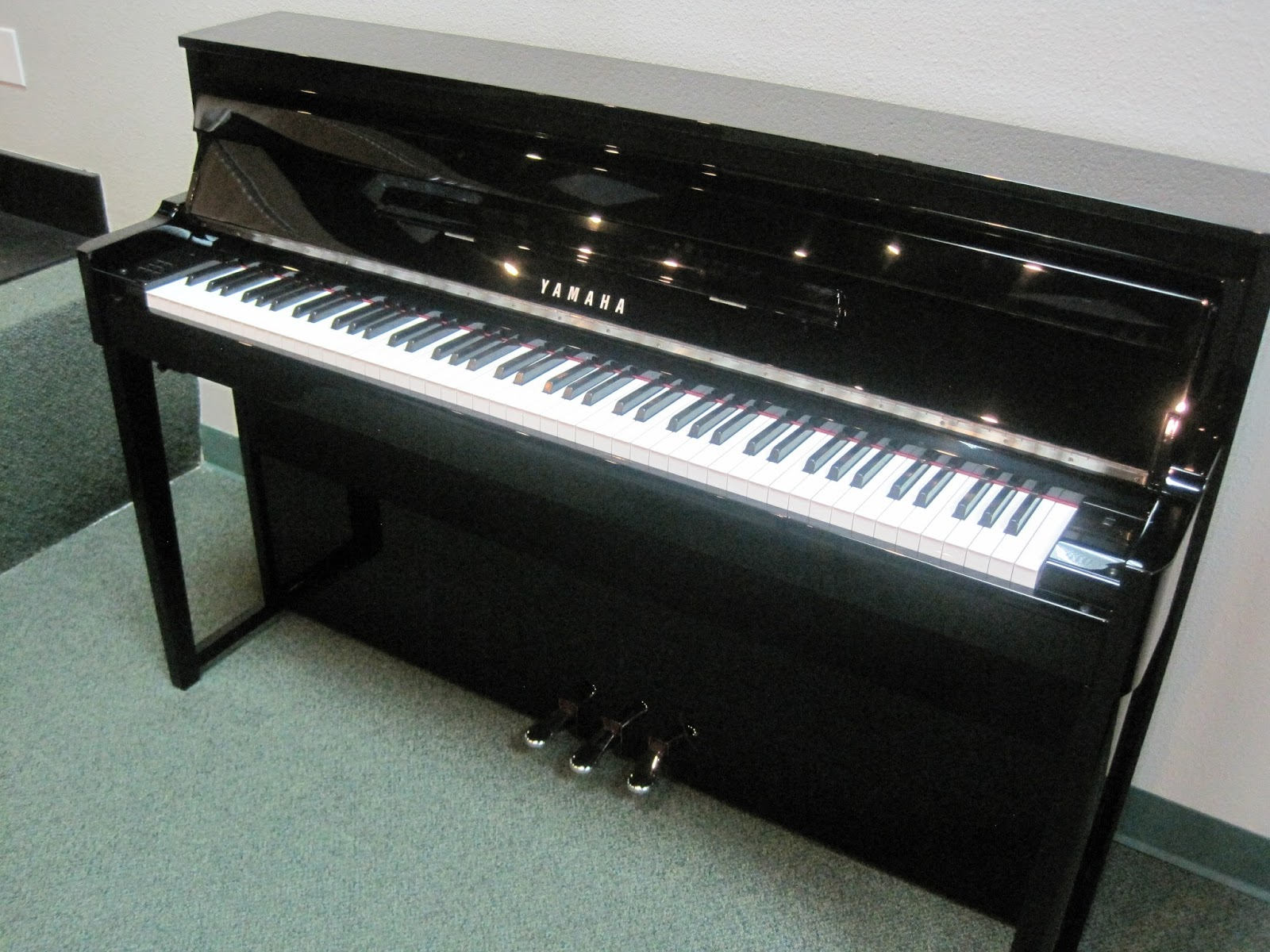 Yamaha Digital Piano  Keys