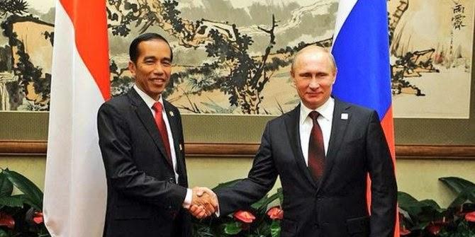 Presiden Indonesia Joko Widodo bertemu Presiden Rusia Vladimir Putin