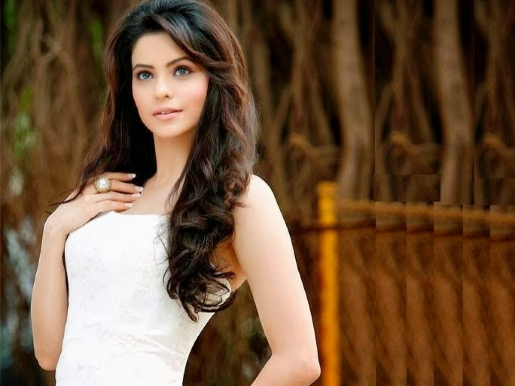 Aamna Sharif 	2001 nude (12 photo), Ass, Cleavage, Twitter, braless 2018