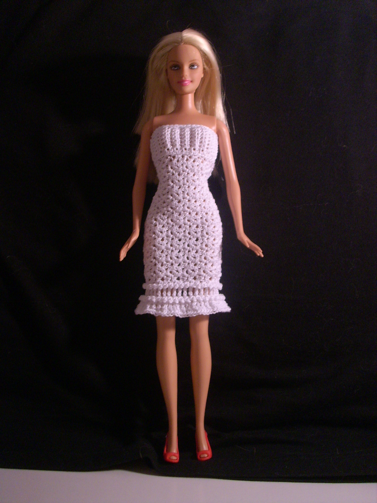 Free Crochet Pattern For Snow White Dress : Crochet for Barbie (the belly button body type):