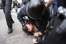 """Violencia policial contra los """"Indignados """".."""