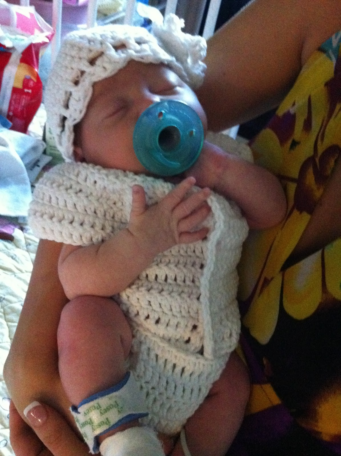 Free Crochet Patterns Baby Outfits : Crochet Baby Preemie Onesie - Free Pattern