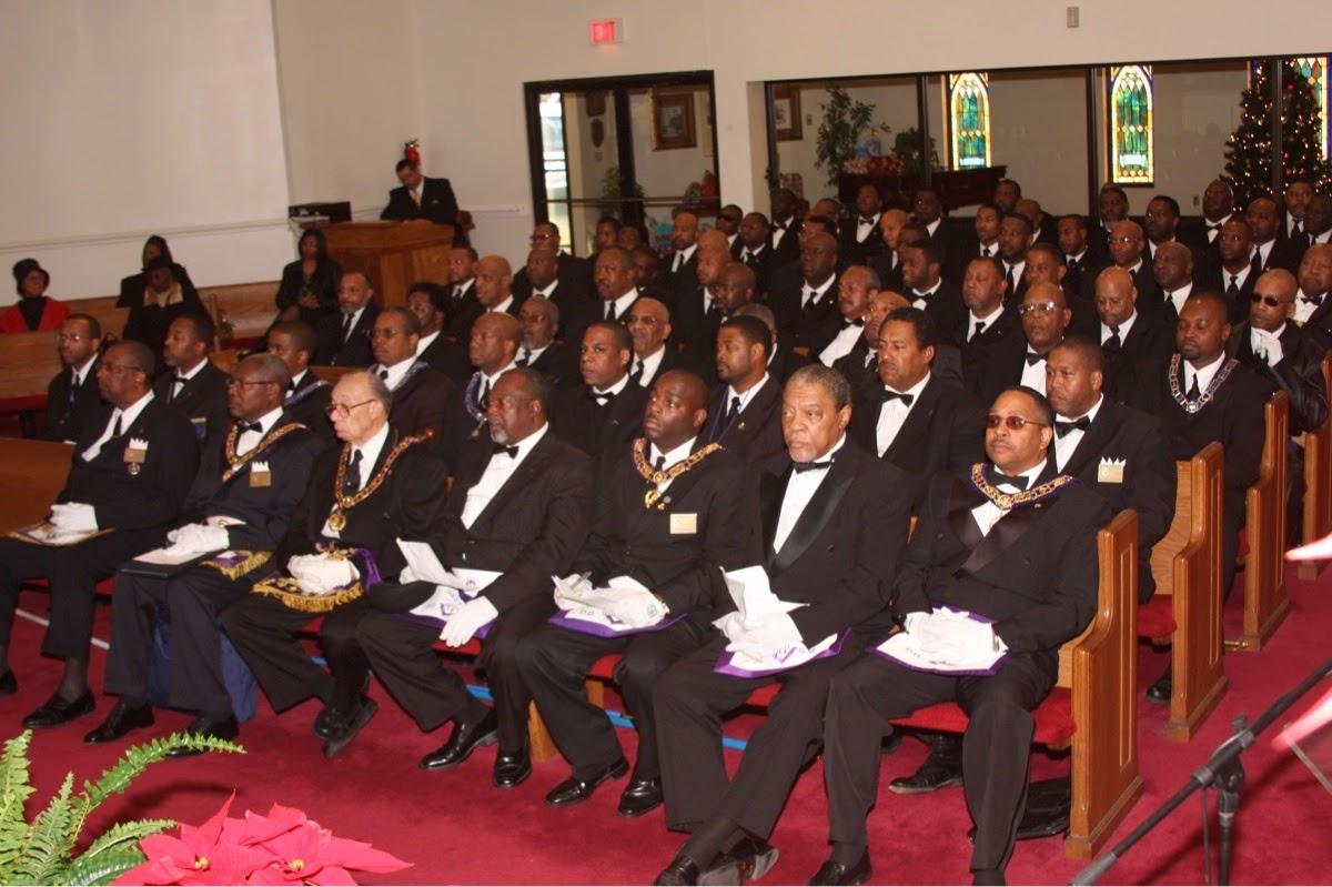 http://3.bp.blogspot.com/-wvM3sVhaZS8/TgGwkhQhYlI/AAAAAAAAASw/9RTV9pseAJs/s1600/jayz.masonic.church.service.jpg