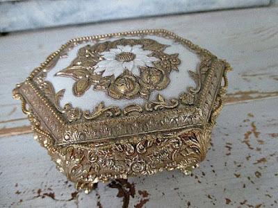 https://www.etsy.com/listing/240145119/ornate-elegant-vintage-gold-trinket-box?ref=shop_home_active_12