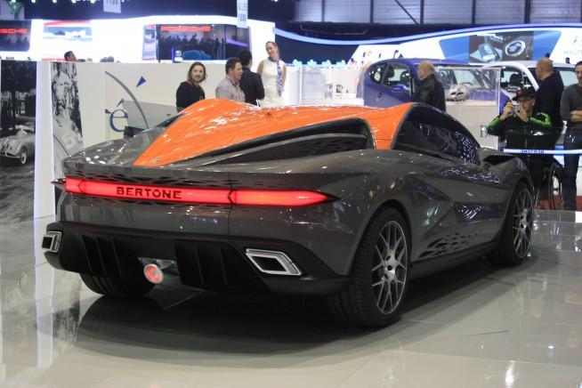 Sport car garage bertone nuccio concept 2012 for Garage concept auto