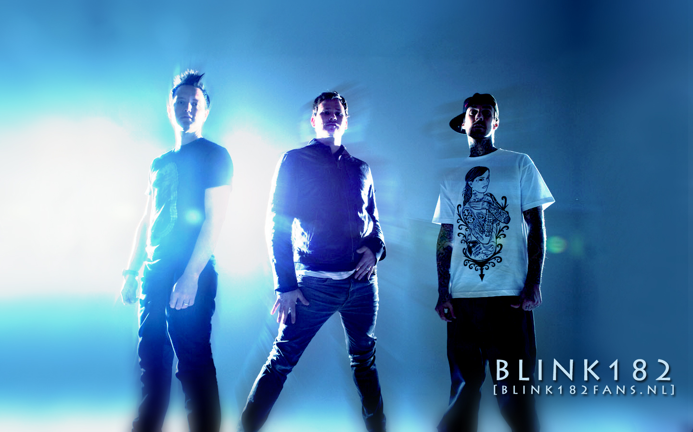 http://3.bp.blogspot.com/-wvwa8ZeDtpE/TyIj2VQ75WI/AAAAAAAAAEE/pIiNGoyVsOc/s1600/wallpaper_contest_blink182fans.jpg