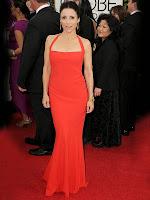Джулия Луис-Драйфус рокля с шлейф в силует русалка Златен глобус 2014