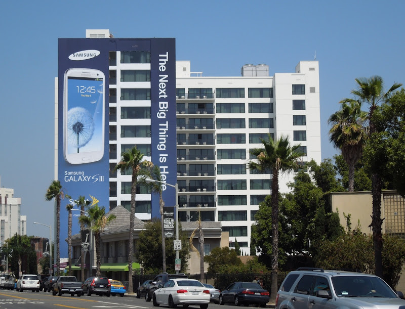 Giant Samsung Galaxy S3 billboard